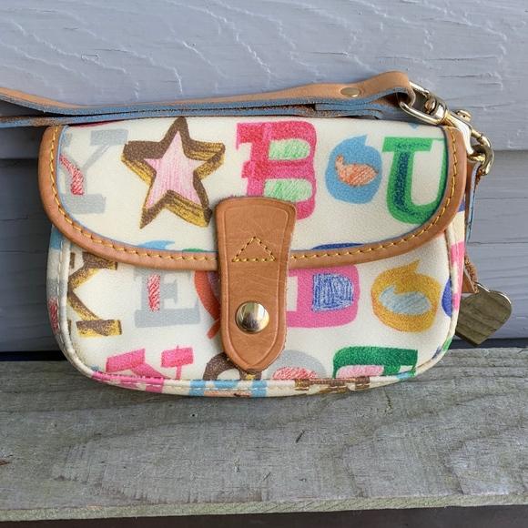 Dooney & Bourke Handbags - DOONEY & BOURKE Wristlet